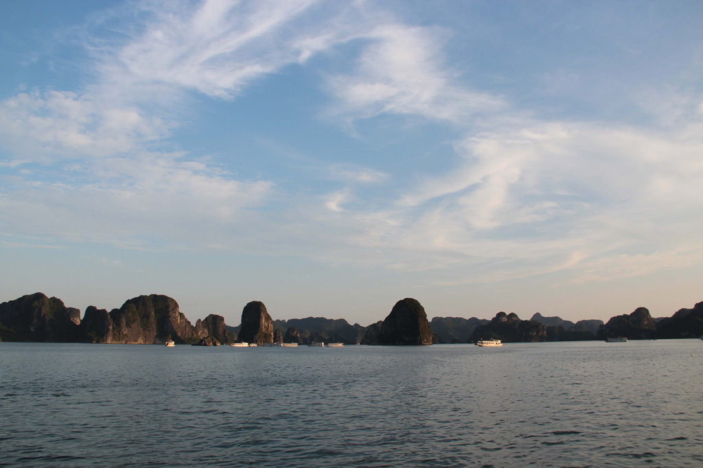 Ha Long Bay is home to some 1,600 islets that form a spectacular seascape of limestone columns. The extraordinary beauty of the bay was recognized by its election as one of the Official New7Wonders of Nature. Photos: Philipp Wellmer